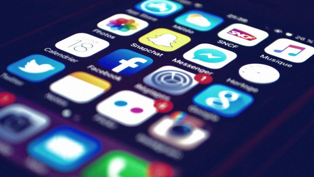 برای مدیریت صفحات شبکههای اجتماعی مان از چه سرویسی استفاده کنیم 5